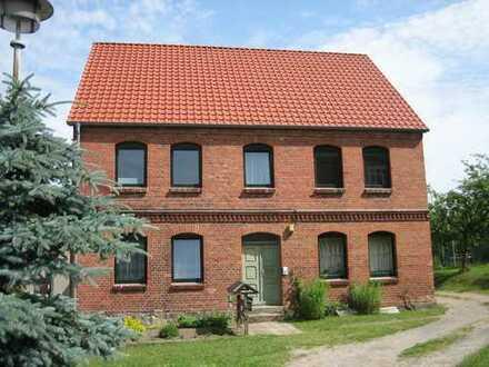 Großzügige 3-Raum-Wohnung mit Grundstücksnutzung