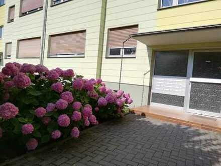 Modernisierte 2-Zi-Wohnung im Hochparterre