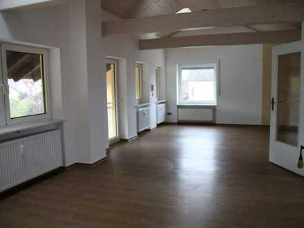 Große Wohnung mit Dachterasse, zentral und ruhig in Rain