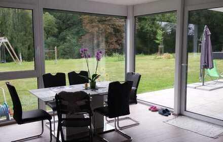 Neuwertige 4-Zimmer-Wohnung mit Balkon und Einbauküche in Wimsheim