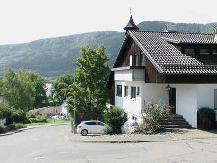 Raumwunder! Großes Einfamilienhaus mit ELW + zwei Gewerbeeinheiten als Praxis oder Büro geeignet