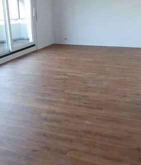 3-ZKB Wohnung: Ufernähe, große Dachterrasse und Gäste-WC