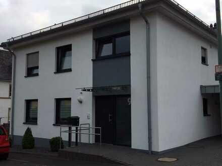 Neuwertige Wohnung mit drei Zimmern und Balkon in Daun