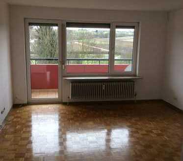 Stilvolle, gepflegte 3,5-Zimmer-Wohnung mit Balkon und EBK in Neuhausen auf den Fildern