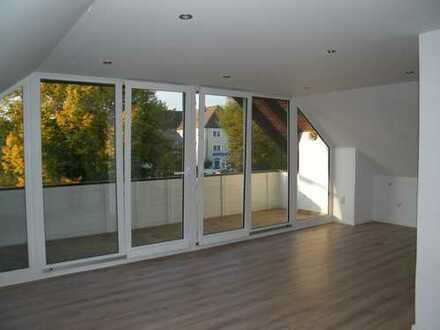 Schöne Doppelhaushälft - Erstbezug nach Sanierung mit Garten in Kemnath