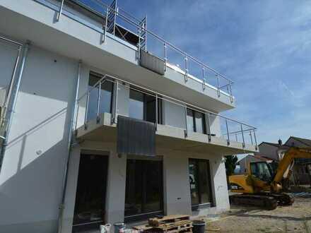 Erstbezug: Moderne, helle 4-Zimmer-Wohnung mit Balkon