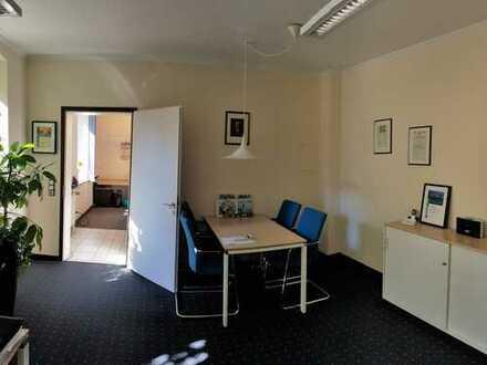 helle Büroräume in zentraler Lage