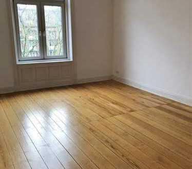 Schöne 3-Zimmer-Altbauwohnung mit Balkon in Hamburg Rotherbaum zu mieten