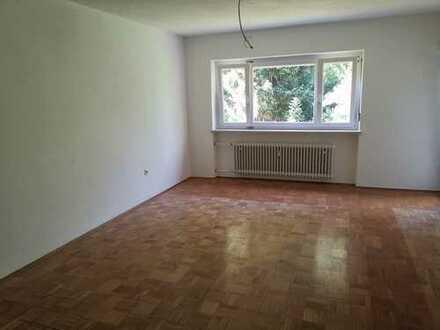 Attraktive 4-Zimmer-Erdgeschosswohnung mit Balkon in Freilassing