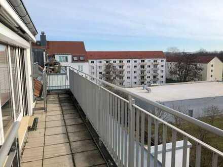 Zwischen Altstadt und großem Garten mit Dachterrasse und Lift