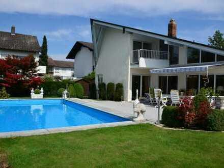 Luxusvilla mit Pool in erstklassiger Lage von Ingolstadt
