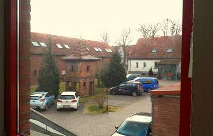 Super- 2- Raum Wohnung im Grünen -Besichtigung unter Tel.01738099920 Erreichbarkeit Mo.-Fr. 8-16 Uhr