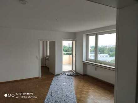 sanierte 2-Zimmer-Wohnung mit Balkon in Neuried/Fürstenried