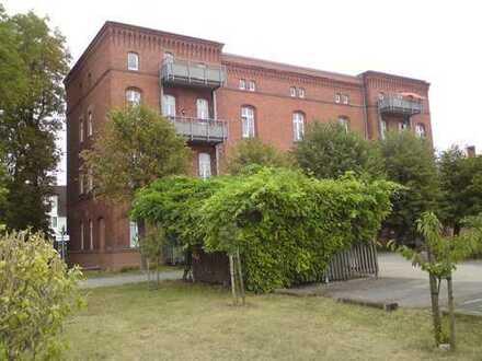 Schöne helle 3-Zi. Wohnung mit Balkon