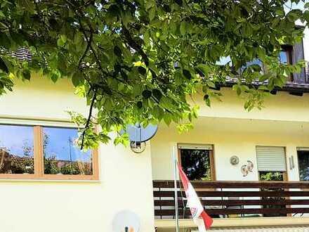 Schöne 4 ZKB Wohnung inkl. Einzelgarage – Tolle Lage