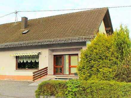 Gut geschnittene 4 Zimmerwohnung Nähe Bahnhof Au (Sieg) mit eigenem Eingang