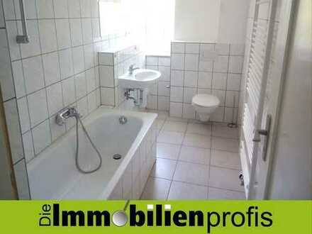 Große 4 Zimmer-Wohnung mit Wannenbad - Nähe Stadtzentrum in Hof