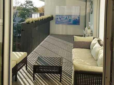 Europaviertel: Moderne, gemütliche 4-Zimmer-Wohnung mit zwei Balkonen, Einbauküche und Tiefgarage