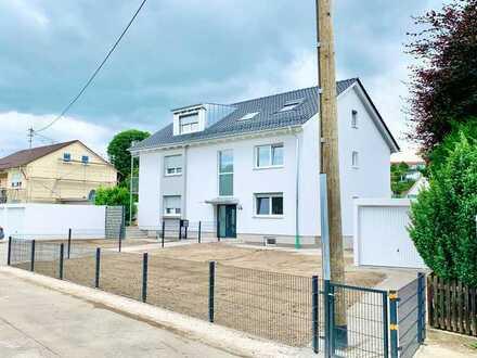 attraktive 2-Zimmer-DG-Wohnung in Kühlenthal mit eigenem Garten. Erstbezug nach Sanierung: