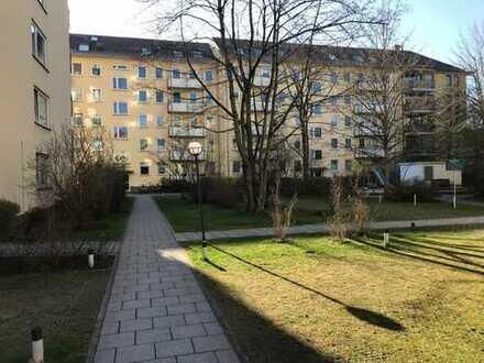 Ruhige 3 Zimmerwohnung in grüner Innenhoflage zwischen Luitpold- und Olympiapark in Westschwabing