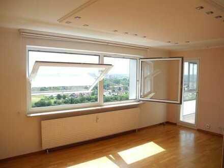Schöne, geräumige und helle 3-Zimmer-Wohnung mit phantastischer Aussicht in Saarlouis