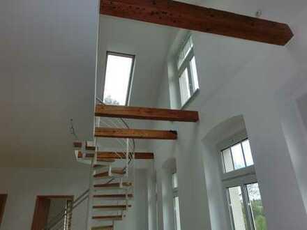 Großzügige 5-Raum DG-Wohnung über zwei Ebenen mit freiem Blick