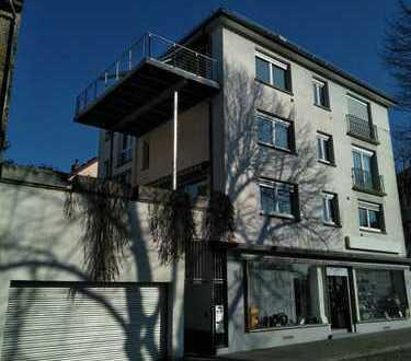 Wohnung 5 Zimmer, Küche, 2 Bäder, Dachterasse, grosszügige Garage