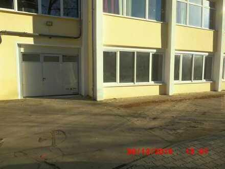 135 qm große, helle Halle zu vermieten