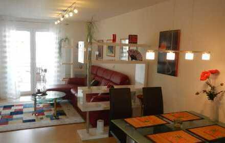 Hochwertig möbilierte 2-Zimmer-Wohnung mit Balkon in Renningen