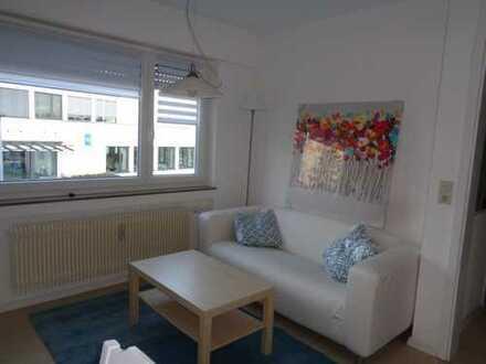 NUR FÜR NR: Gepflegte, möblierte 1-Zimmer-Wohnung mit EBK in Stuttgart