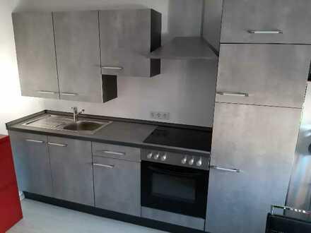 Sanierte DG-Wohnung mit zwei Zimmern und EBK in Aura im Sinngrund