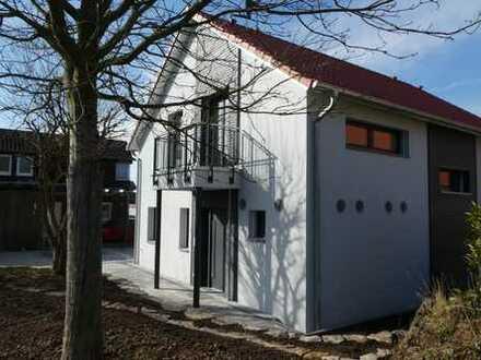 Attraktive Doppelhaushälfte, 5 Zimmer, Passivhausstandard in Ortsrandlage
