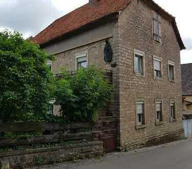 Zweistöckiges Haus mit sieben Zimmern in Kitzingen (Kreis), Sulzfeld am Main