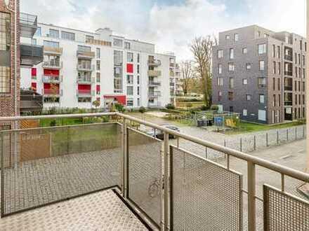 Bezugsfreie, helle und geräumige Wohnung mit Terrasse, Balkon und Wasseraussicht
