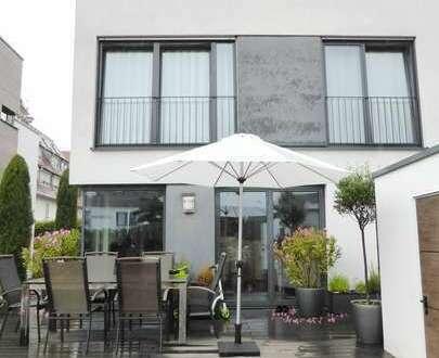 Modernes, freisteh. Einfamilienhaus in schöner, familienfreundlicher Lage *Einbauküche*Garten*Garage