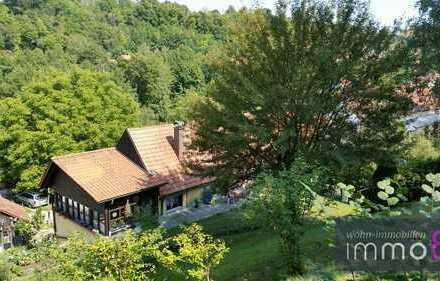 Heimeliges Einfamilienwohnhaus mit tollem Ausblick sucht neuen Eigentümer.
