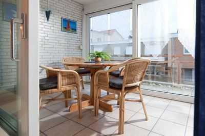Ferienwohnung in top Lage mit Wintergarten + Balkon !