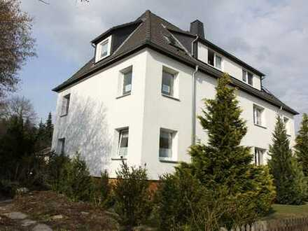 Schöne 2 - Zimmer Dachgeschoss - Wohnung in Kleinolbersdorf