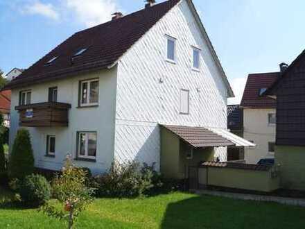 Viel Wohnfläche in einem soliden Ein-Zweifamilienhaus im Meißnervorland