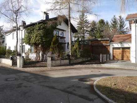 Im Bieterverfahren zu verkaufen - Renovierungsbedürftige Doppelhaushälfte in Isarnähe / Ismaning