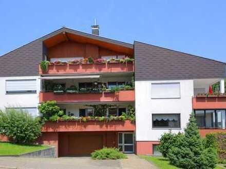 Großzügige 4,5-Zimmer-Wohnung mit Balkon,  Garage und Stellplatz