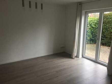 Exklusive, geräumige und neuwertige 1-Zimmer-EG-Wohnung mit Balkon und EBK in Hessen - Darmstadt