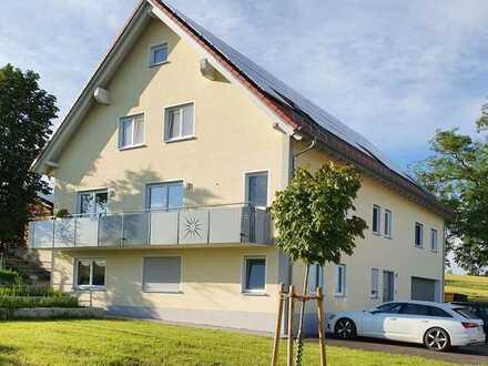 Erdgeschosswohnung, 3,5 Zimmer mit großer Terrasse