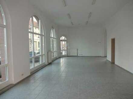 Ladenfläche - 155,44 m²!