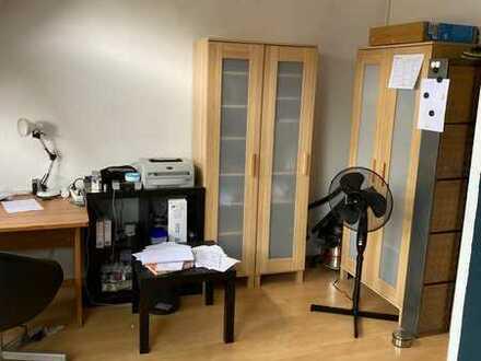 2 Zimmer DG-Wohnung - Ideale Lage zur TU + TH in Darmstadt l