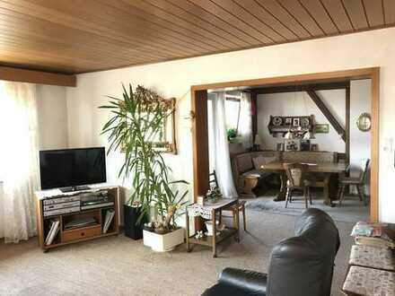 5 Zimmerwohnung mit 2 Balkonen und SP in Liebersbronn zum Wachküssen!