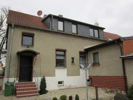 teilsaniertes Einfamilienhaus (DHH) in Rheinsberg