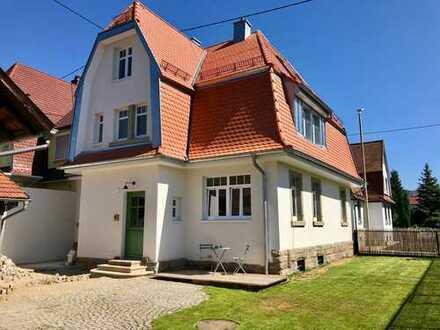 Liebevoll kernsanierte Jugendstil Doppelhaushälfte mit großer Scheune und potentiellem Bauplatz.