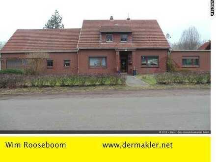 Ganderkesee: Mehrgenerationenhaus mit ca. 230 m² Wohnfläche, auf einem 1300 m² großem Grundstück