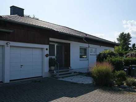 Großzügiges 6 Zimmer Haus mit Balkon, Terrasse und großem Garten - in Renovierung